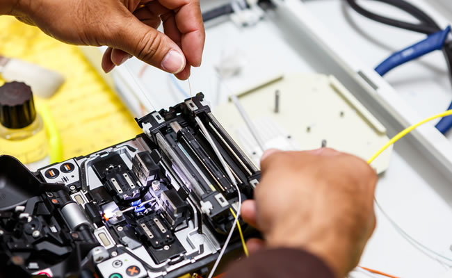 Fibre Optics Splicing
